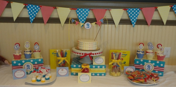 curious-george-dessert-table-display