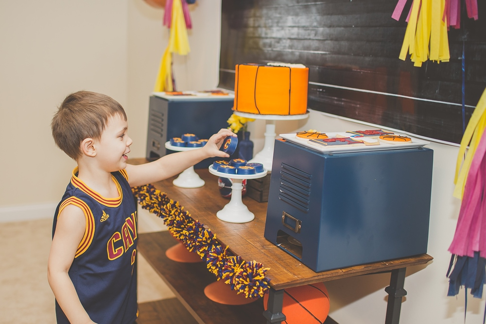Cleveland Cavaliers and Cake-2