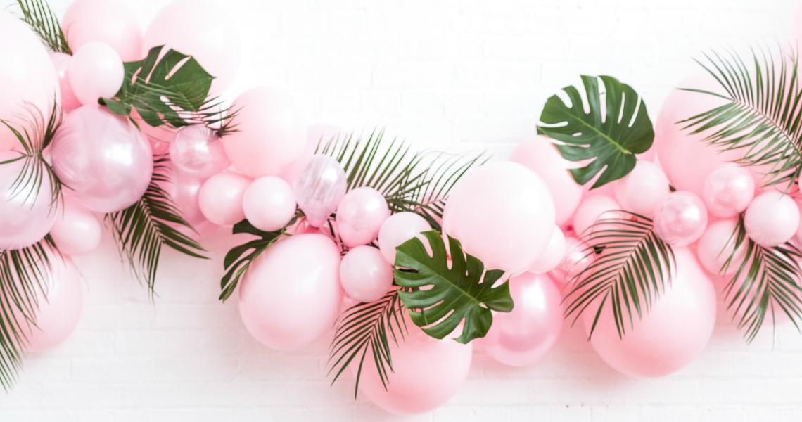 pink-balloon-garland