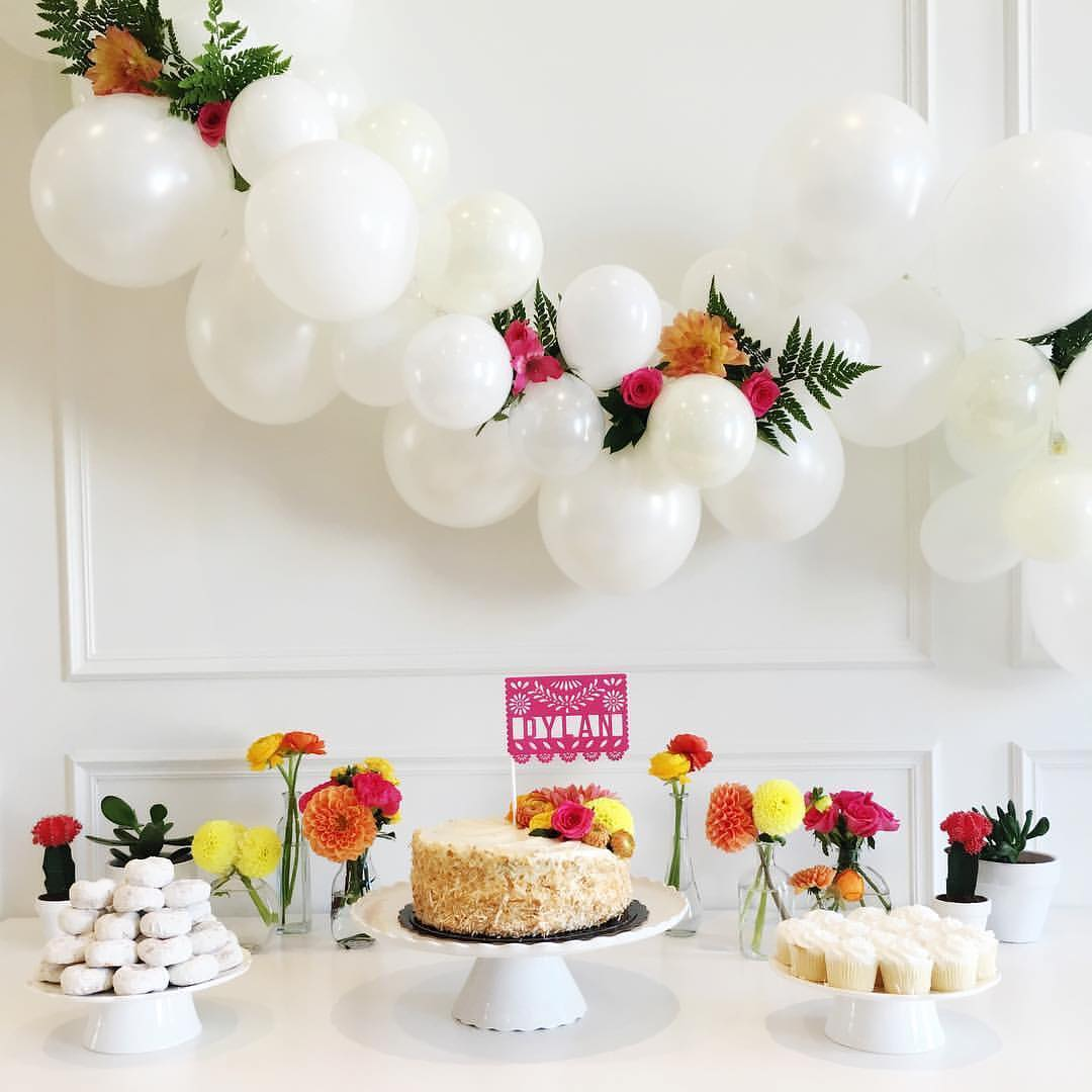 little-miss-party-one-stylish-party-balloon-garland