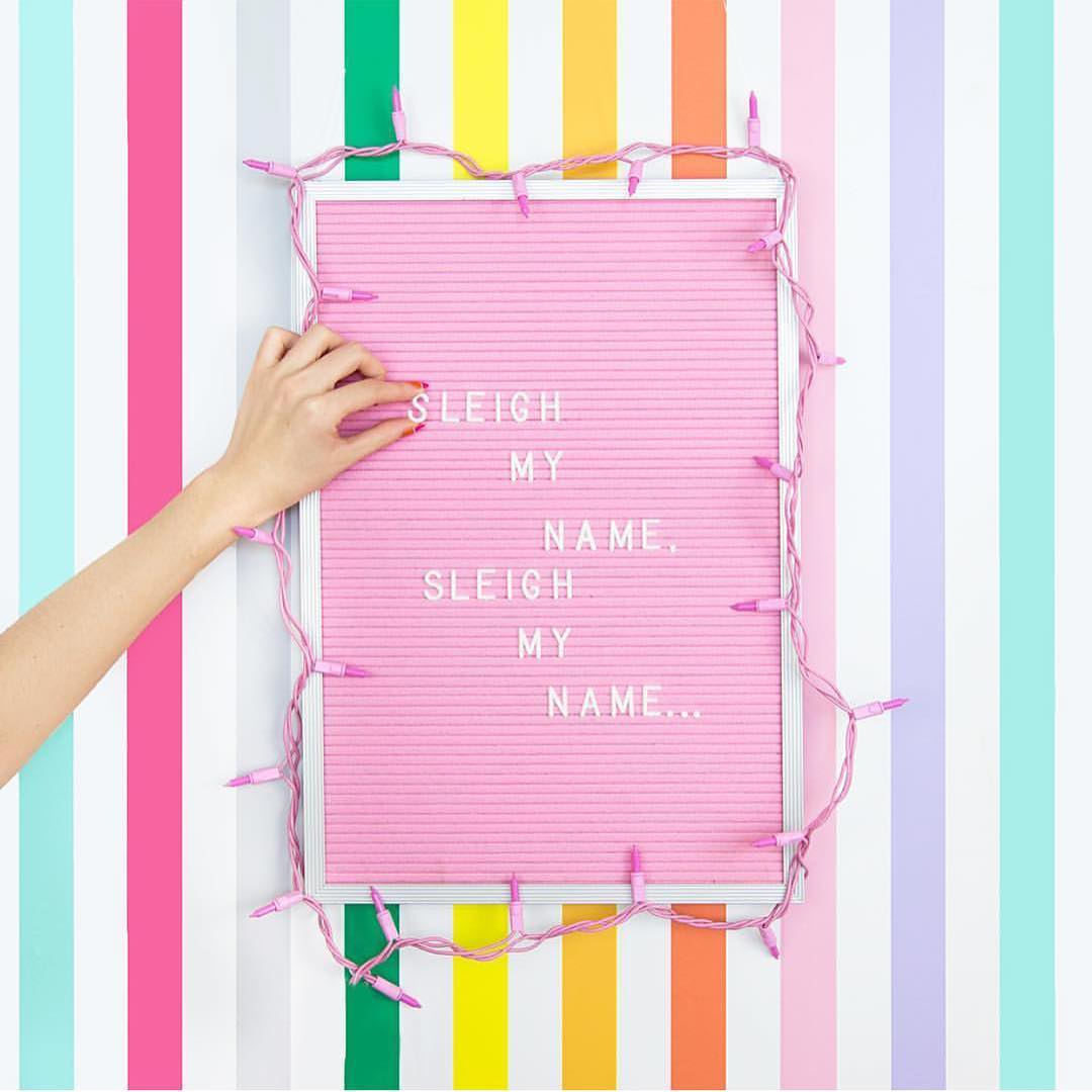pink-letter-board-shop-bando