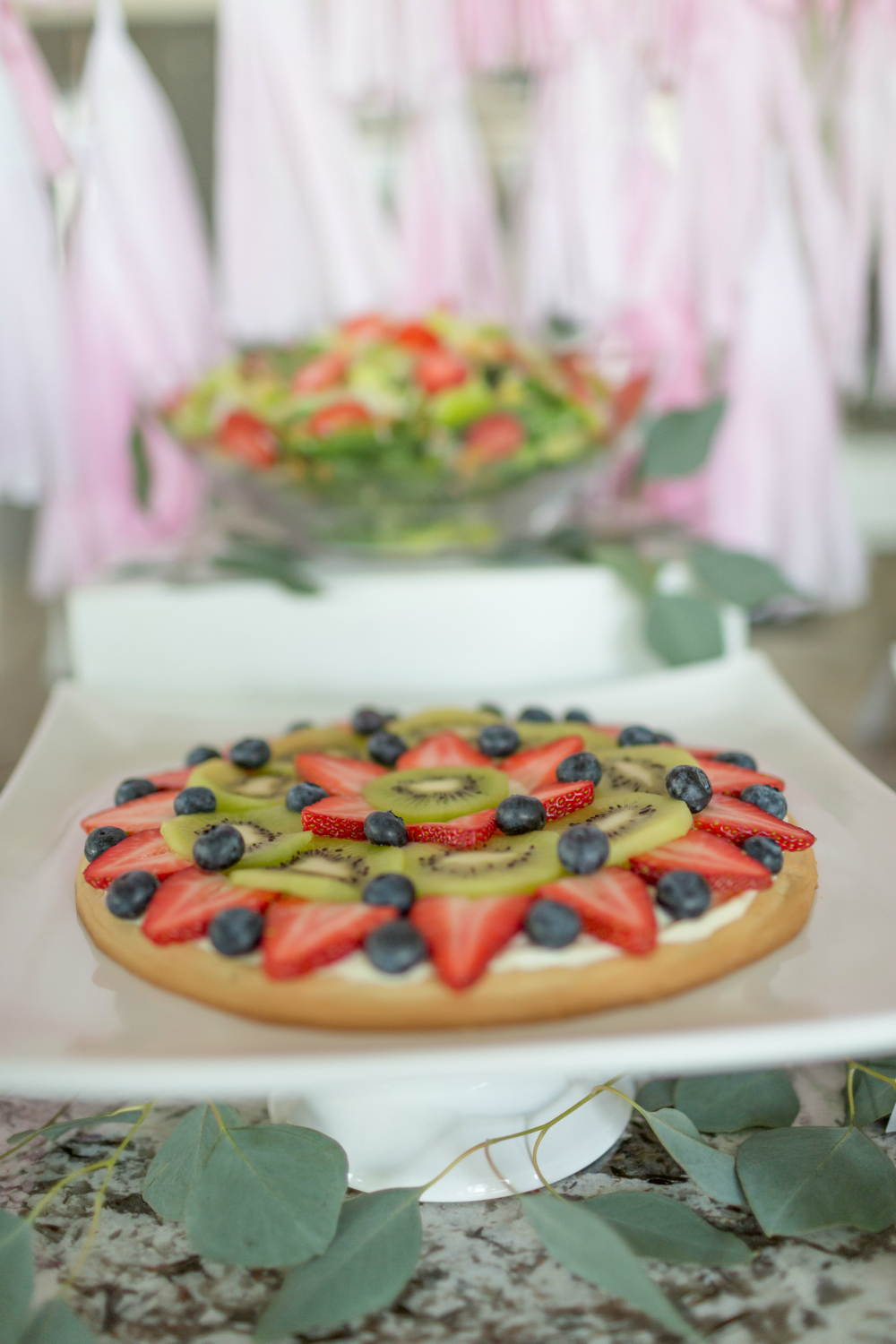 fruit-pizza-brunch