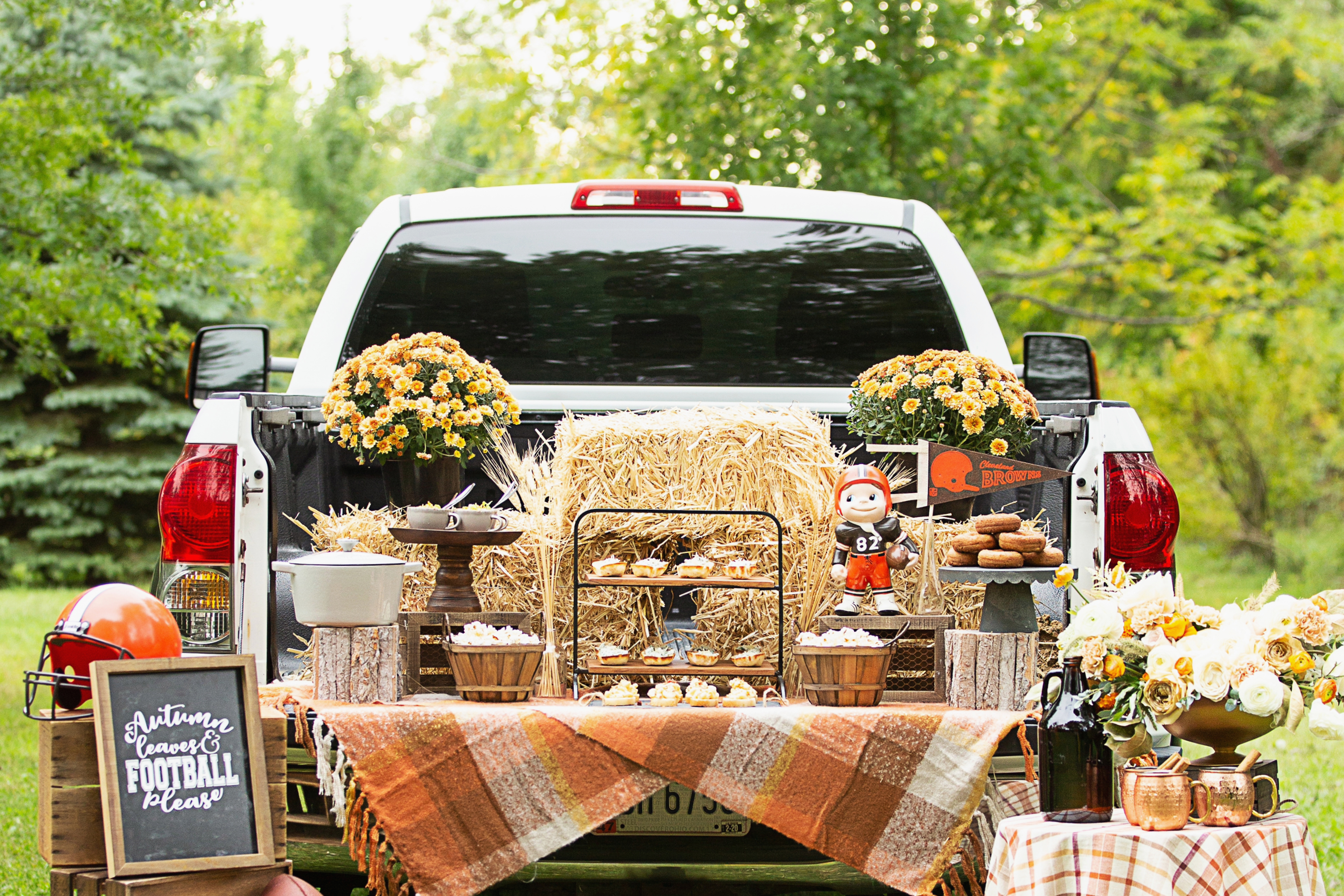 Fall Football Tailgate Tips And Recipes For Hosting A Tailgate
